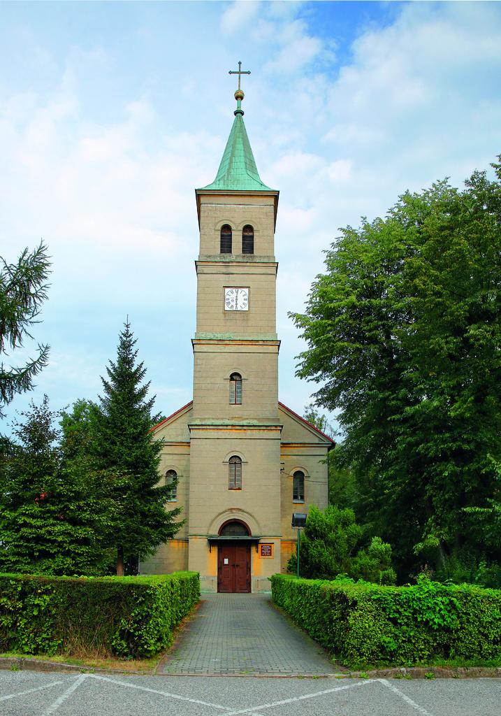 Kościół ewangelicki w Oleśnie fot. Mirosław Dedyk.jpeg