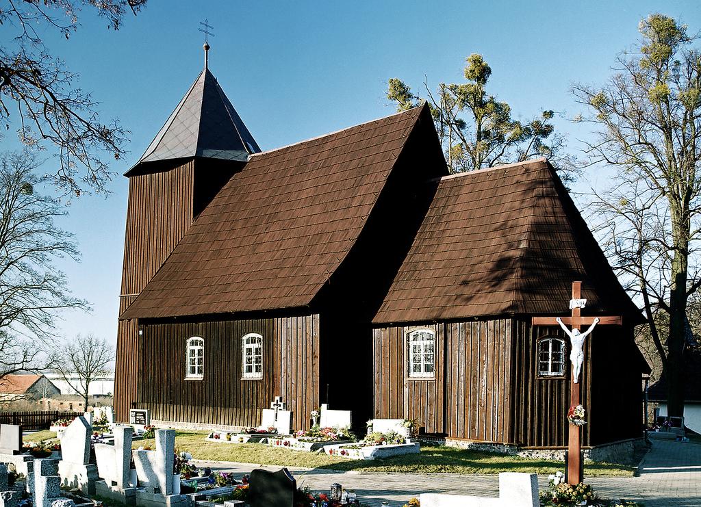 Kościół pw. św. Marii Magdaleny w Boroszowie fot. Mirosław Dedyk.jpeg