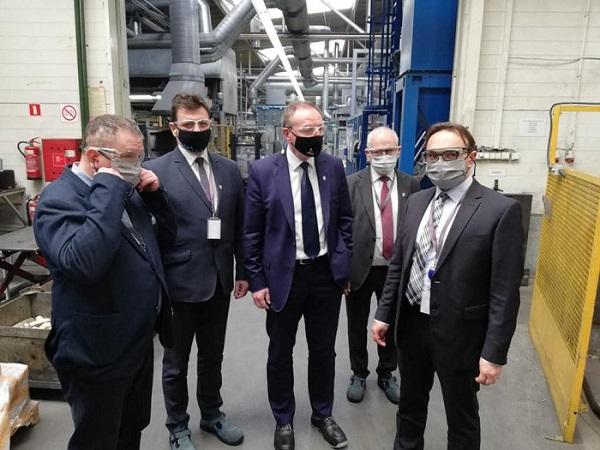 wizyta burmistrza w firmie ORAS w Oleśnie