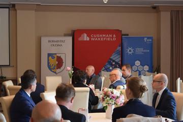 """Galeria Konferencja """"Cała Polska specjalną strefą ekonomiczną"""""""