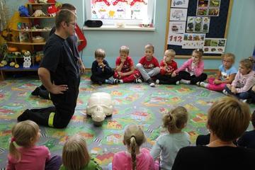 Galeria Borki Wielkie. Szkolenia z pierwszej pomocy wśród dzieci i młodzieży